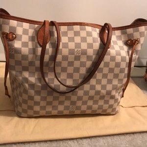 fd81cb505ff Women Louis Vuitton Quilted Bag on Poshmark